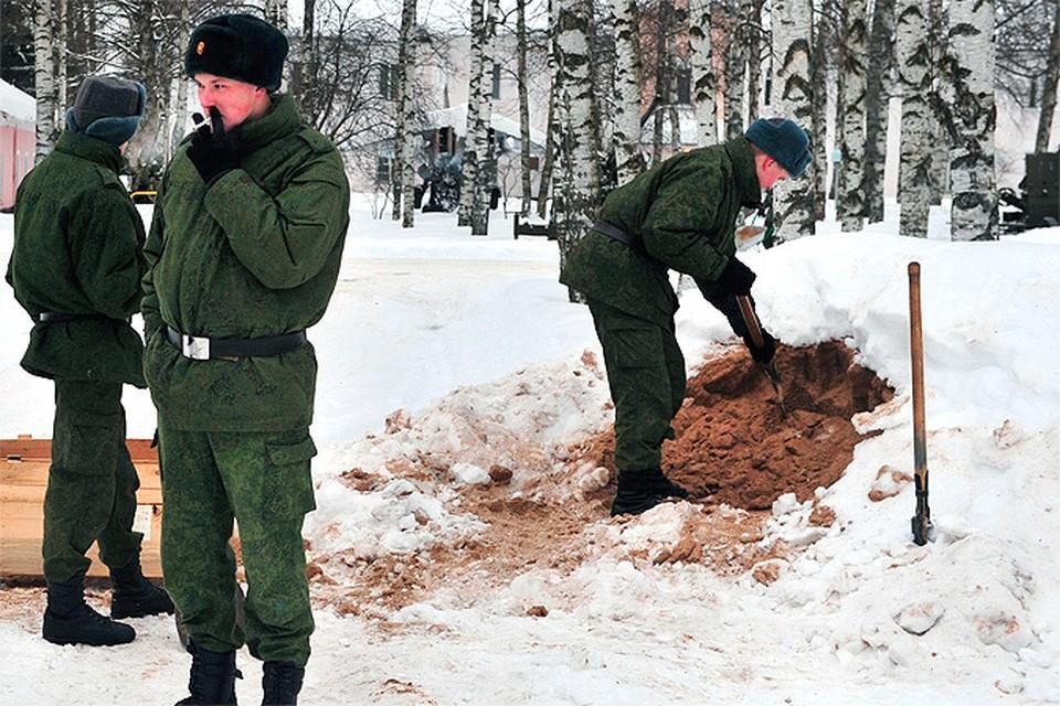 Срочники, строившие дорогу к «даче Сердюкова», сняли плодородный слой почвы