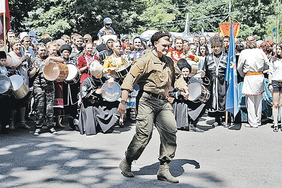 Из казаков на Ставрополье власти, похоже, решили сделать национальный противовес.