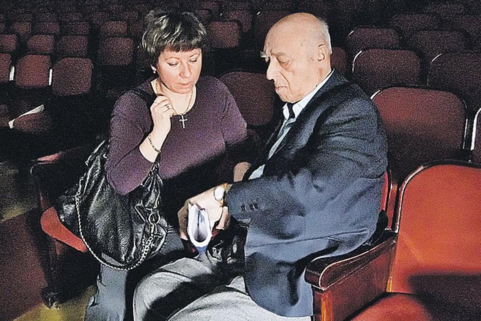 Этуша с женой Еленой разделяет много лет. Сколько точно - они стараются не говорить, может, это и правильно.
