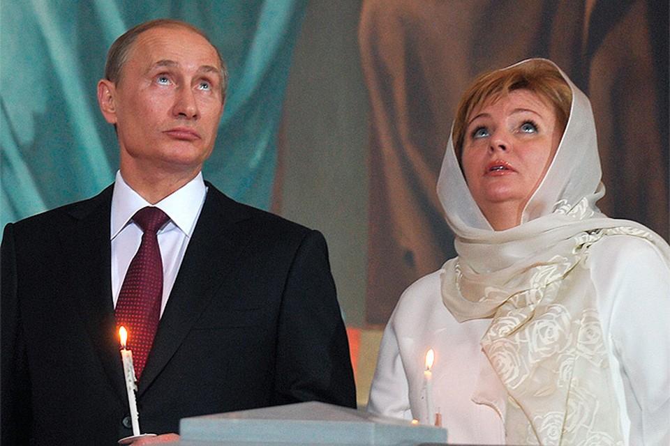 Владимир и Людмила Путины на пасхальном богослужении, 2011 год.