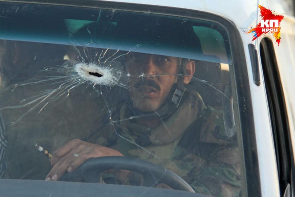 Солдат под обстрелом вывез из Маалюли гражданских.