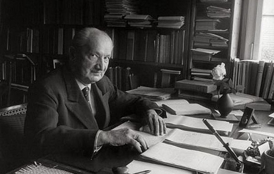 heidegger lecture 2 and 3 of Martin heidegger is widely acknowledged to be one of the most original and important philosophers of the 20th century, while remaining one of the most controversial.
