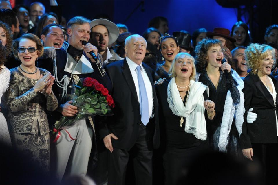 Режиссер Марк Захаров в театре Ленком на праздновании своего 80-летия