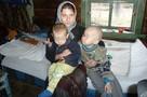 Отец детей-отшельников: Помогите мне вырвать малышей из голодного ада!
