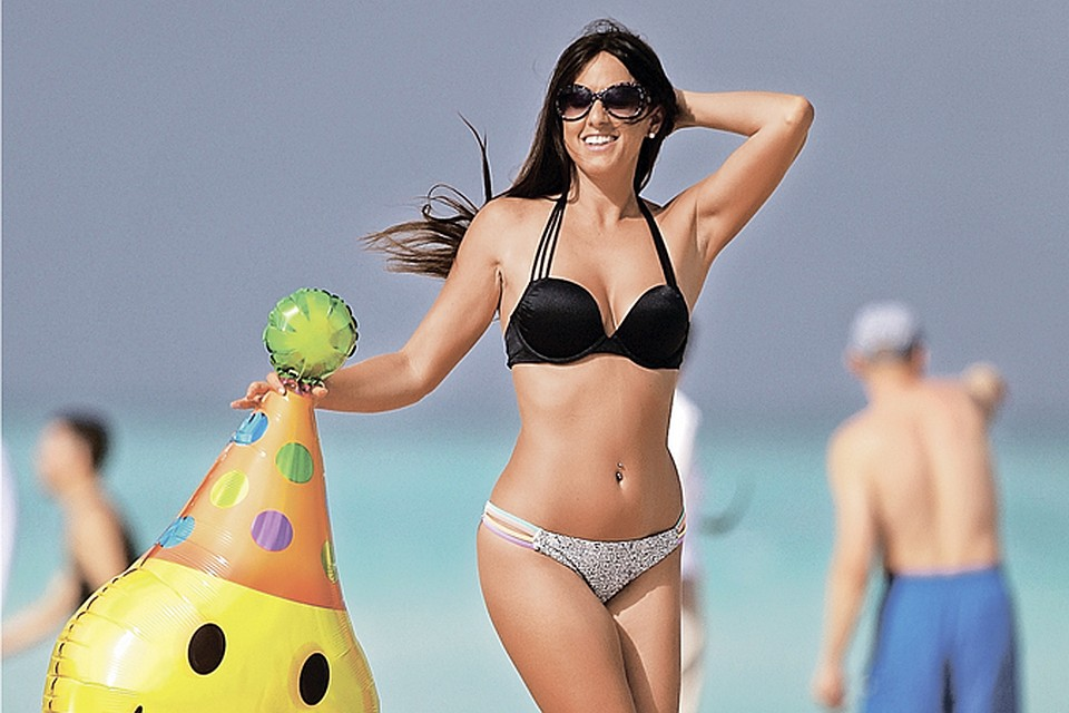 итальянки пляже в бикини