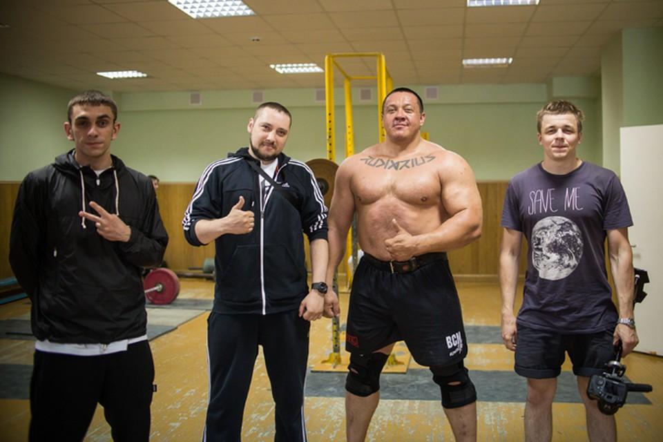 В 2012 году команда выступила на «Первом канале» в проекте «Красная звезда»