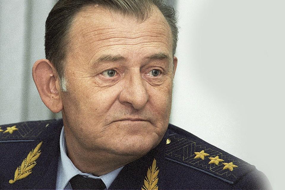 Экс-главком военно-воздушных сил РФ генерал-полковник авиации Анатолий Корнуков в 1999 году.