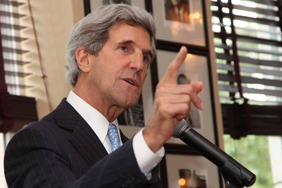 По словам Керри, прекращение огня должно произойти на основе мирного плана украинского президента Петра Порошенко