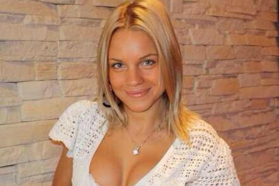 Напомним, несколько месяцев назад известный футболист Александр Кержаков расстался со своей гражданской супругой