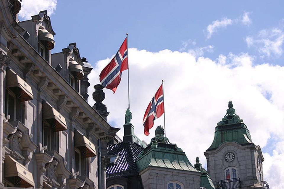 Власти Норвегии отобрали у россиян их ребенка из-за вырванного молочного зуба.