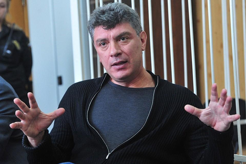 Борис Немцов был убит во время пешей прогулки по центру Москвы
