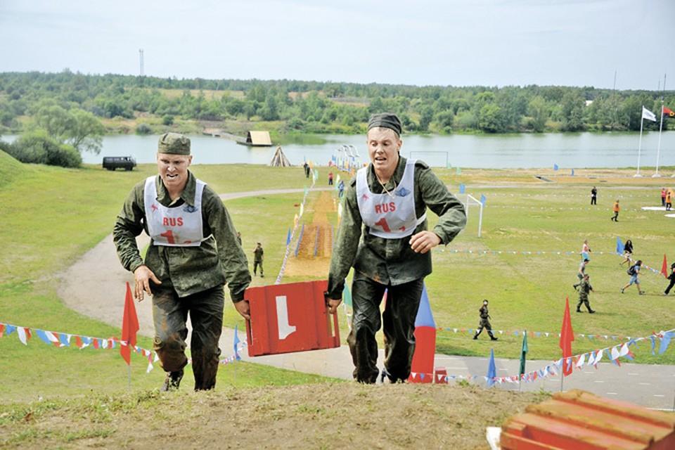 Российские военные готовы отстаивать честь страны и в бою, и в соревнованиях.