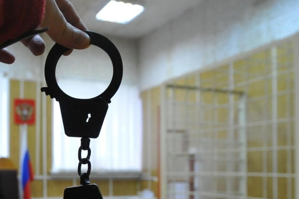 Прохожие задержали саратовца, который украл на улице у двух пенсионерок деньги и конфеты
