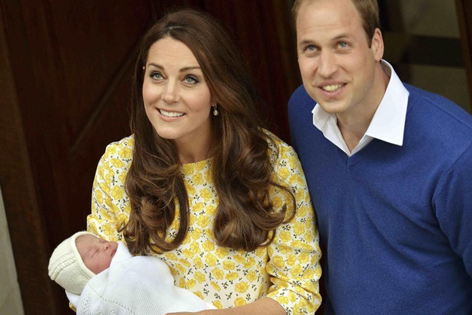 Похоже, Кейт задала новый тренд: едва родив, выглядеть идеально, как для модной фотосессии.