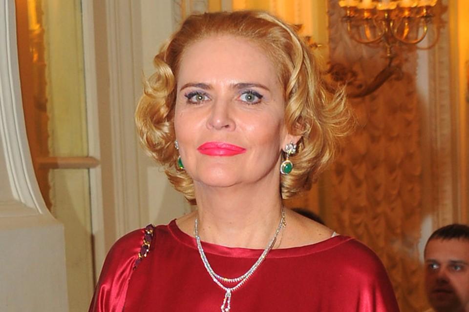 2 июня замечательная актриса театра и кино Алена Яковлева отметила день рождения — ей исполнилось 54 года.