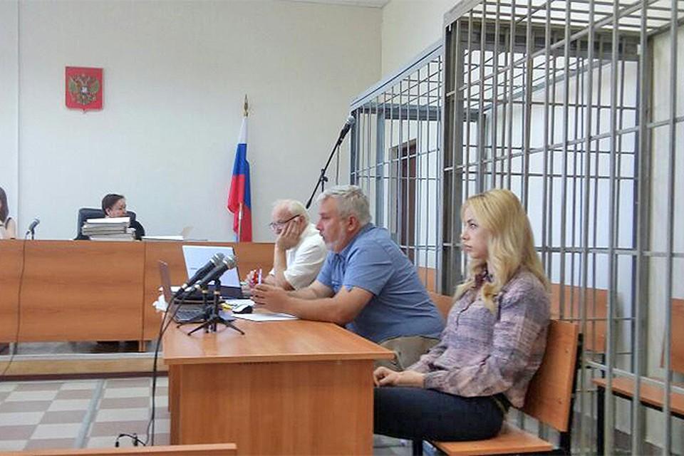 Екатерина Пузикова на скамье подсудимых. Женщина находится под следствием по обвинению в убийстве мужа с 2012 года.