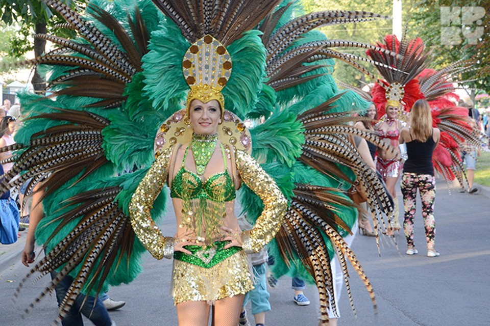 Впервые в День города в Бресте состоялся карнавал. Фото: Александр КОВГАНКО.