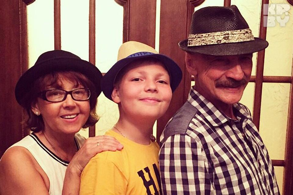 Видео внук трагнул бабушку ване фото 542-390