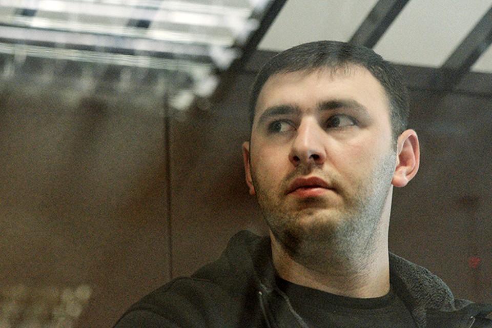 В среду водителю-охраннику бизнесмена Амирана Георгадзе официально предъявлено обвинение по трем статьям