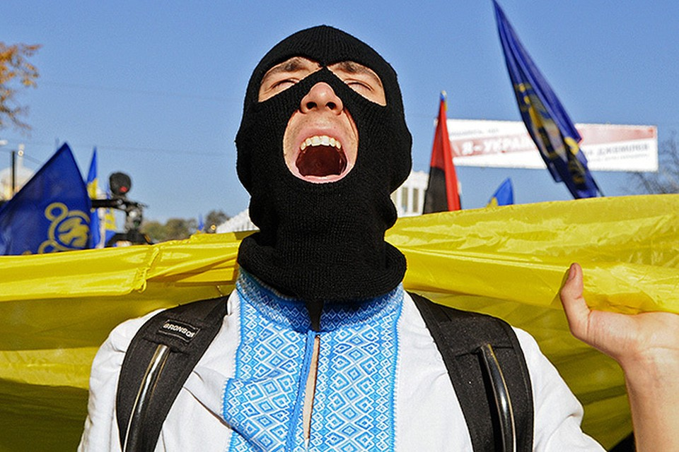 Реакция украинцев в соцсетях на парижские теракты - это поведение больного общества
