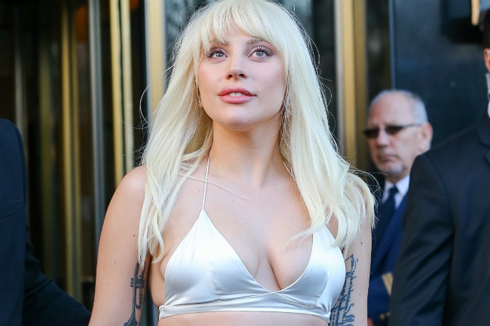 Леди Гага пришла на вручение премии журнала Billboard «Женщина года» («Women in Music 2015»). Фото: EAST NEWS.