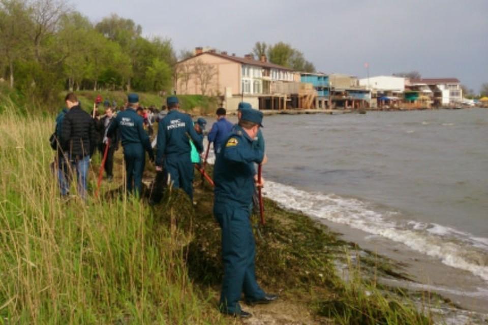 Спасатели устроили в Крыму субботник.