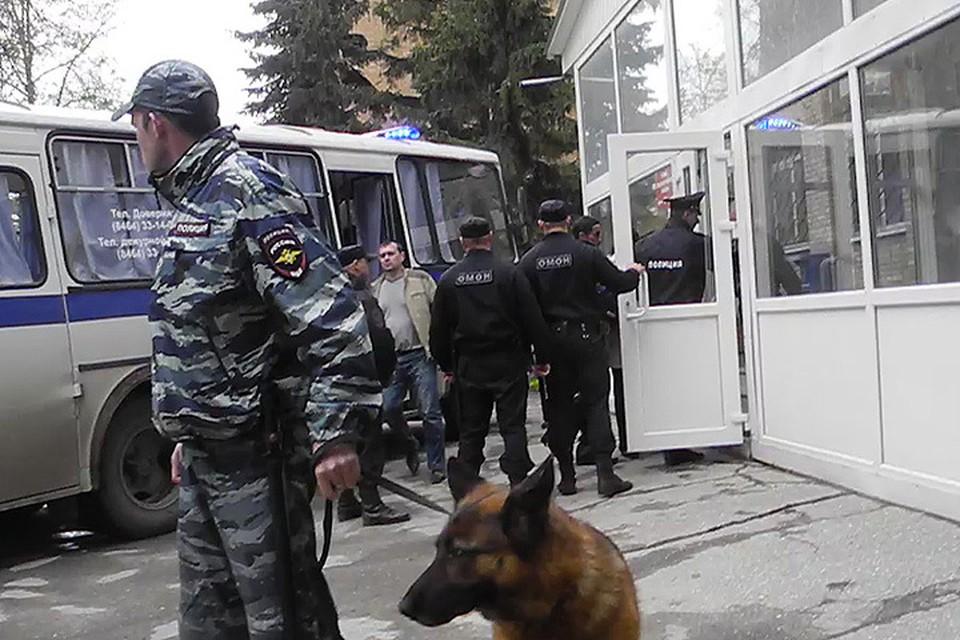 В Сызранском районном суде арестовали трех подозреваемых в чудовищном преступлении.