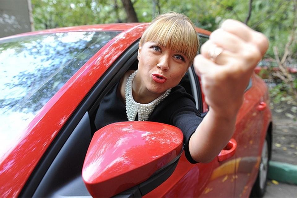 В поимке лихачей ГИБДД будет полагаться на самих водителей, записи с их видеорегистраторов будут рассматриваться как доказательства фактов опасного вождения.