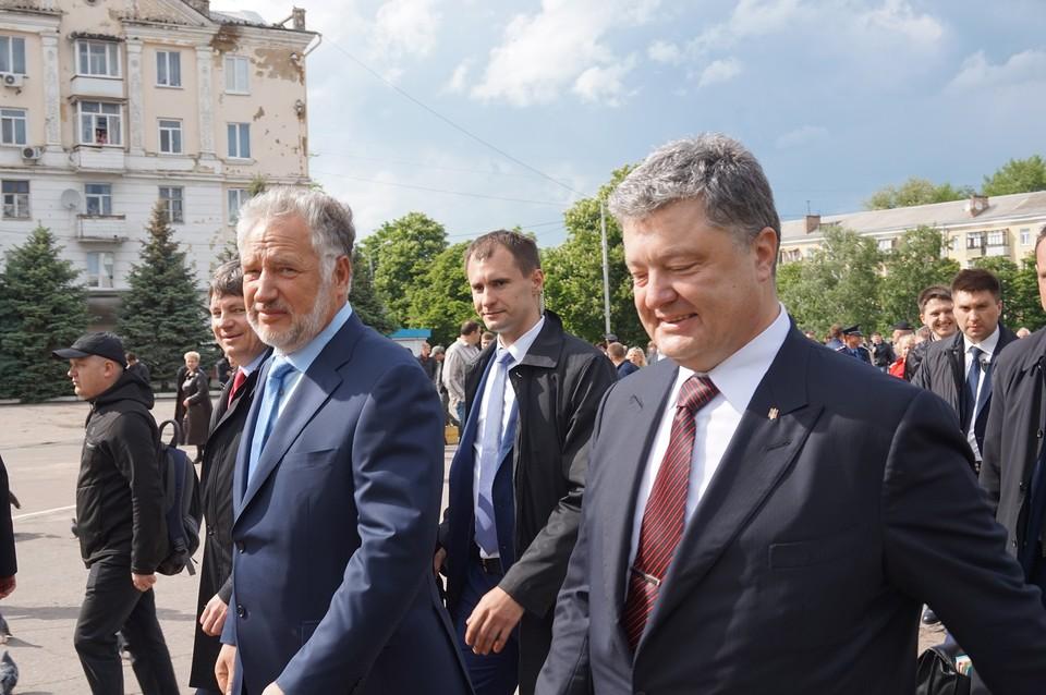 Павло Жербивский любит покрасоваться рядом со своим шефом Петро Порошенко. Фото: пресс-служба Донецкой ОГА.