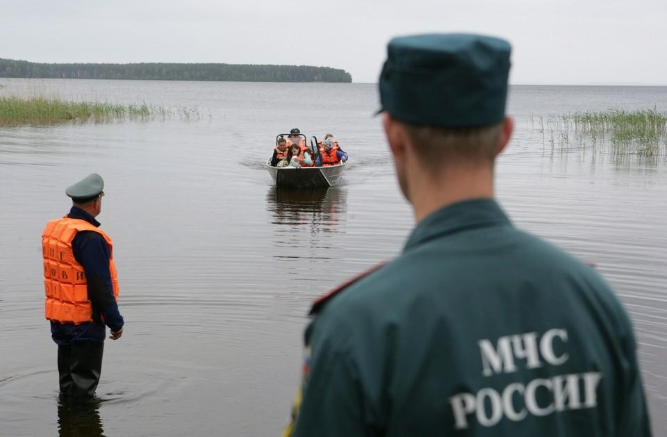 По факту гибели детей возбуждено уголовное дело. Фото: Игорь Подгорный/ТАСС