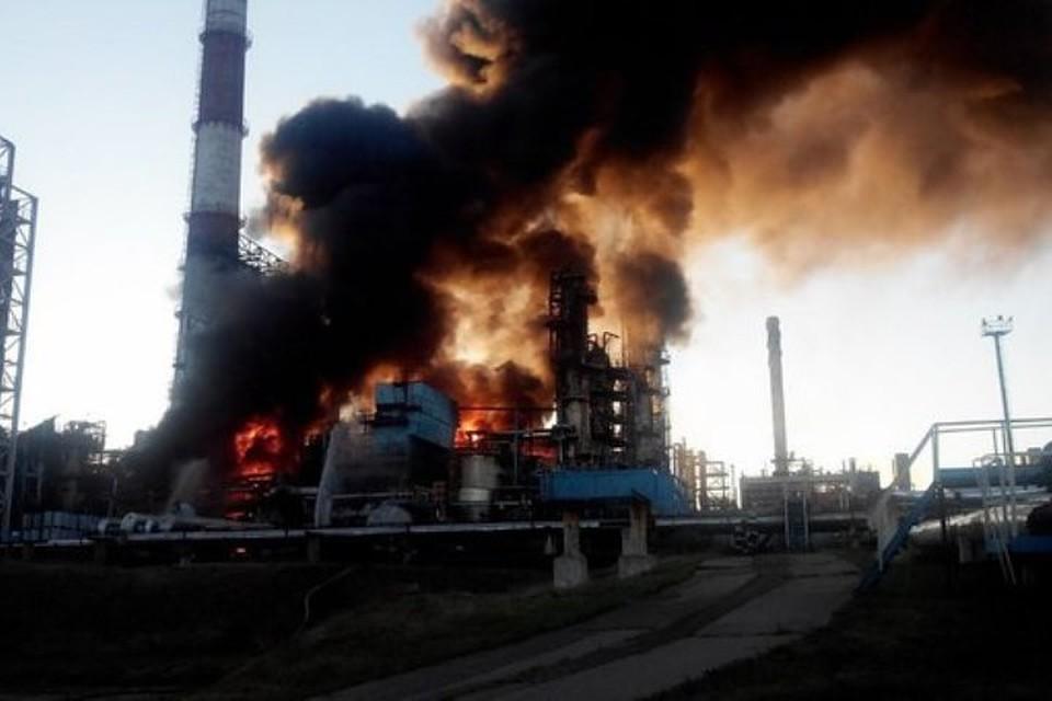 Пожар на заводе вспыхнул в час ночи