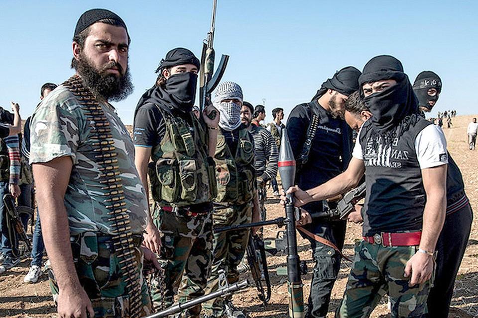 Бойцы сирийской оппозиции в районе Алеппо. ФОТО Zuma/TASS
