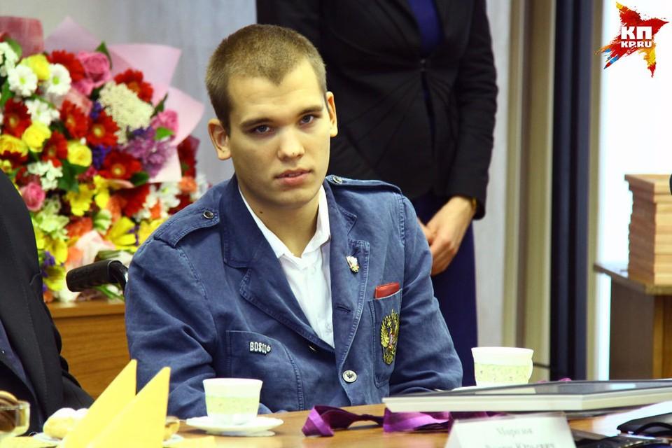 Трехкратный паралимпийский чемпион по плаванию 25-летний нижегородец Дмитрий Кокарев.
