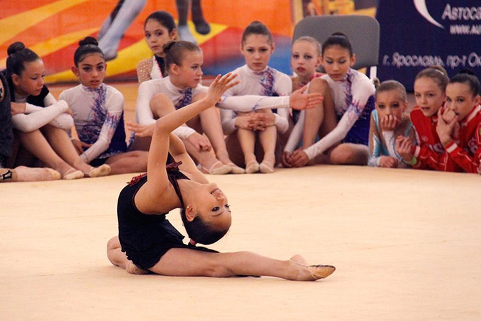 В спортивных секциях Ярославля наплыв желающих отдать своих детей заниматься спортом.