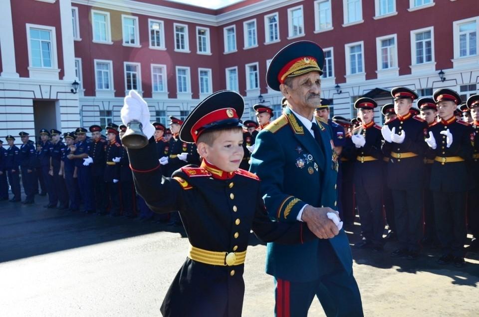 Первый звонок Тульского суворовского военного училища