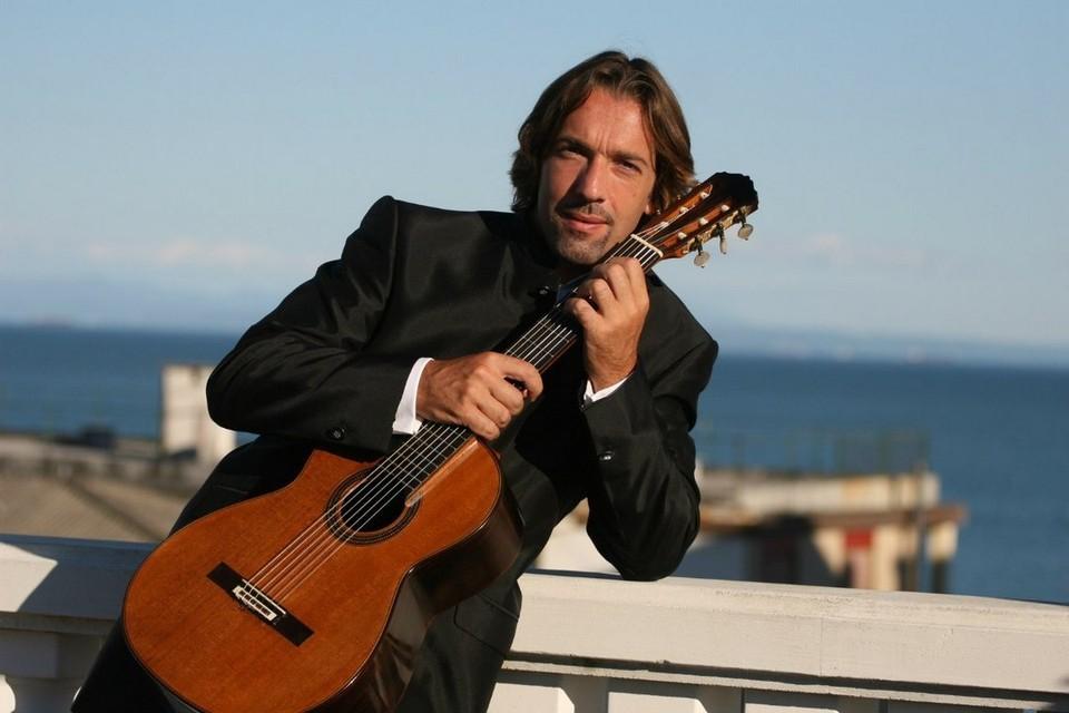 Липчан приглашают на концерт итальянского виртуоза Адриано дель Саль