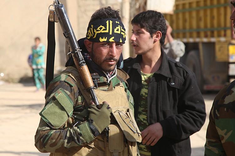 В сам Мосул иракские силы до сих пор не вошли. Бои идут в маленьких городках-спутниках, примыкающих к основной цели