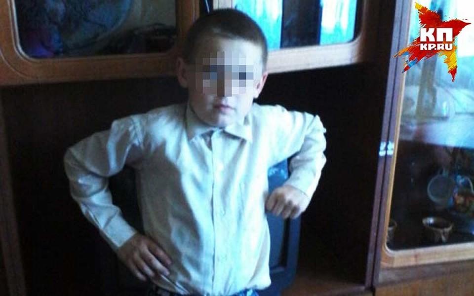 Мамочка поймала сына за фото 294-785