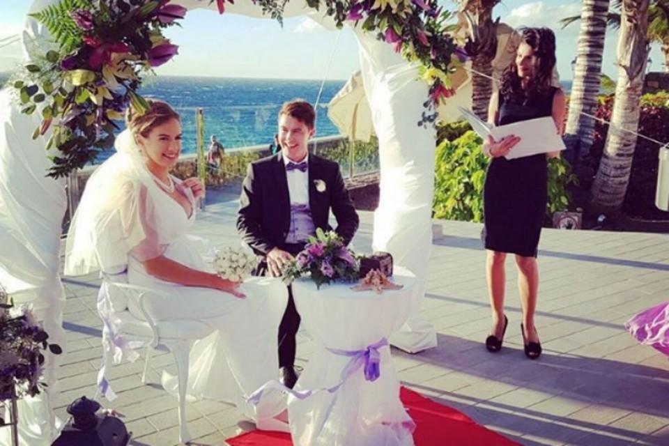 Мария и Алексей сыграли свадьбу на Тенерифе.