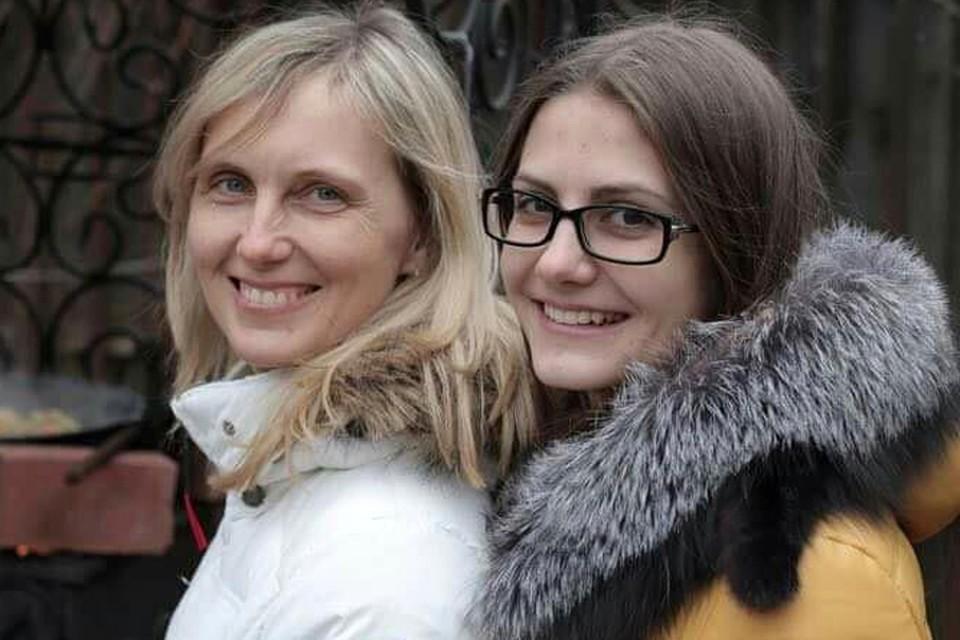 Елена Переверзева с дочерью Дашей
