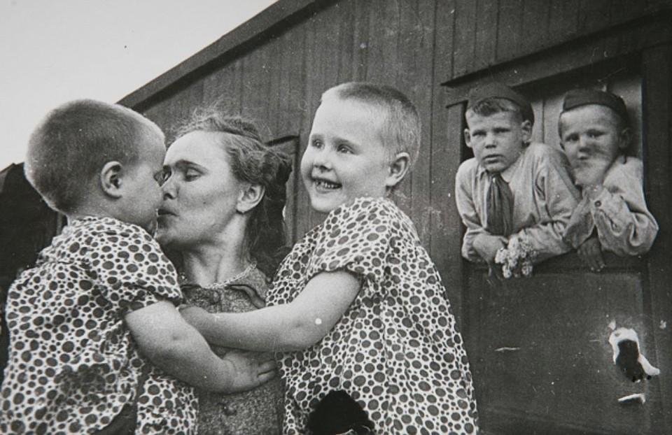 Блокадники утверждают, что не было страха перед соседями. Горожане выживали, но человеческие качества не теряли. Фото: Архив