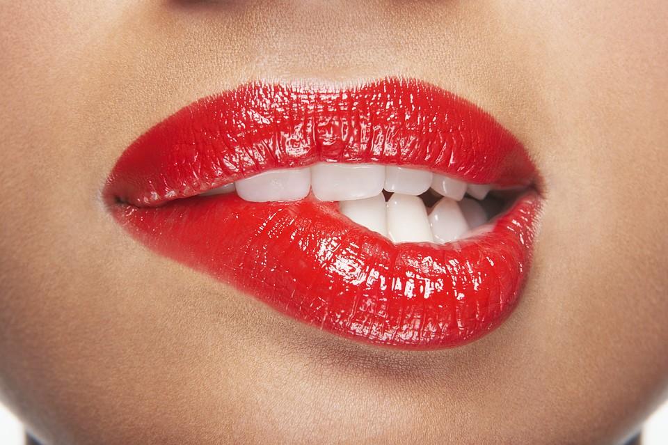 Фото женских нижних губ фото 167-204