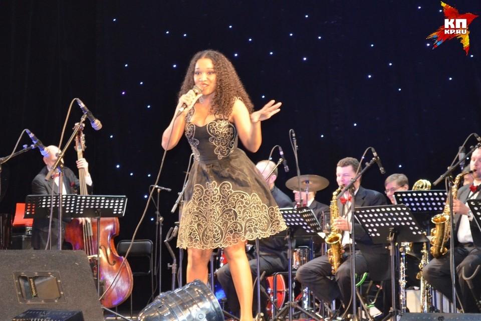 В Липецке выступила Мари Карне
