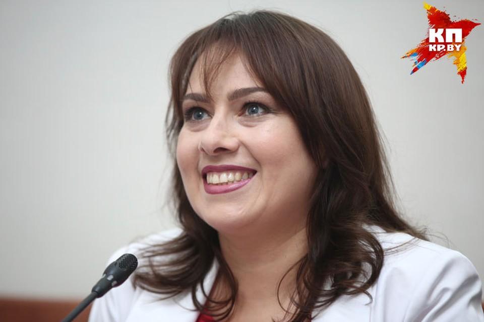 Анна Канопацкая на костылях пришла в милицию.