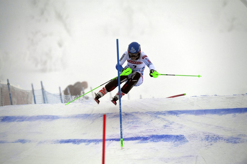 В финском городе Леви проходят соревнования по слалому среди женщин на Этапе Кубка мира по горнолыжному спорту.