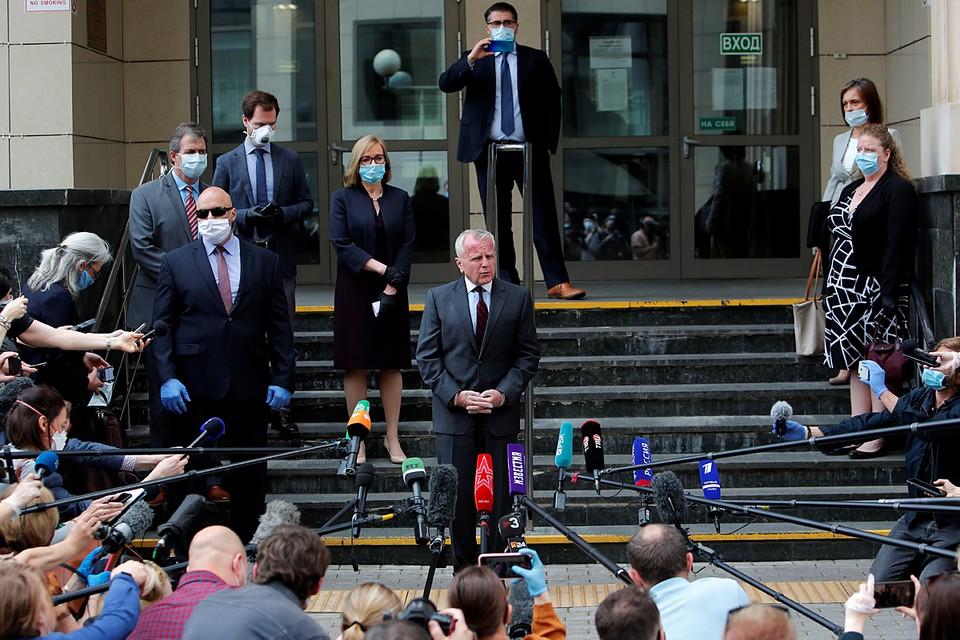 Посол США в России Джон Салливан заявил журналистам, что разочарован приговором гражданину США, Канады, Великобритании и Ирландии Полу Уилану. Мосгорсуд приговорил Уилана к 16 годам колонии по обвиненинию в шпионаже