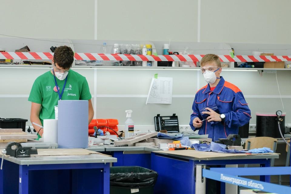 В Ленинградской области вовсю идут соревнования молодых профессионалов Worldskills 2020.  Молодые парни и девчонки соревнуются за звание лучшего специалиста в своем регионе.
