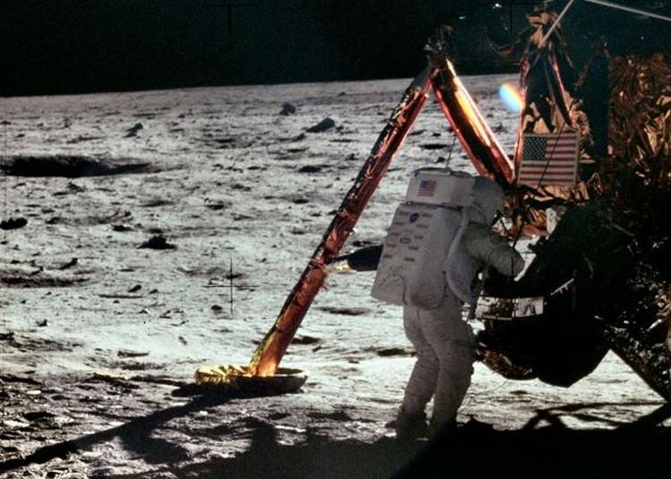"Нил Армстронг, первая высадка на Луну. Миссия ""Аполо-12"". ФОТО: Project Apollo Archive"