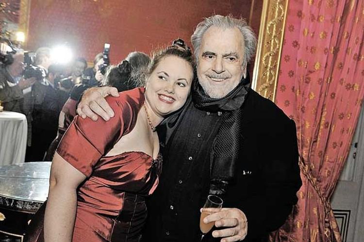 Завести дело на Дмитрия Андрейченко посоветовала ее младшая дочь Настя (на фото девушка с отцом Максимилианом Шеллом).