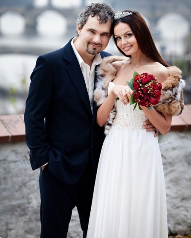 Обвинение настаивает, что Лошагин неискренне рассказывает о своей любви к жене